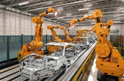 BMW compra a Kuka 5.000 robots industriales
